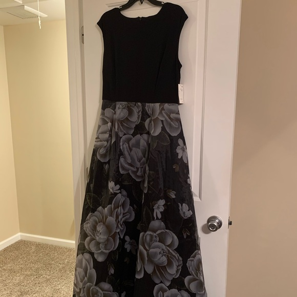 Fancy maxi dress new with tags